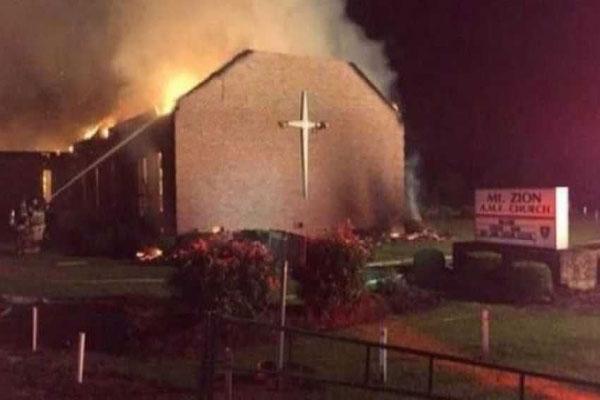 الكنائس آخر ضحايا العنف الانتخابي في أميركا