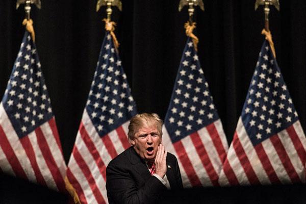 الرئيس الأميركي الجديد دونالد ترامب