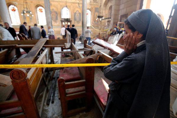تفجير الكنيسة البطرسية كان في الجانب الذي تجلس فيه النساء