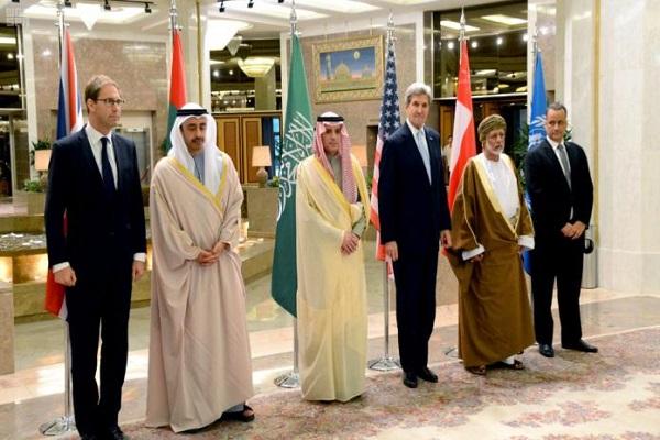 جانب من اجتماعات اللجنة الرباعية في الرياض لوضع تسوية للأزمة اليمنية