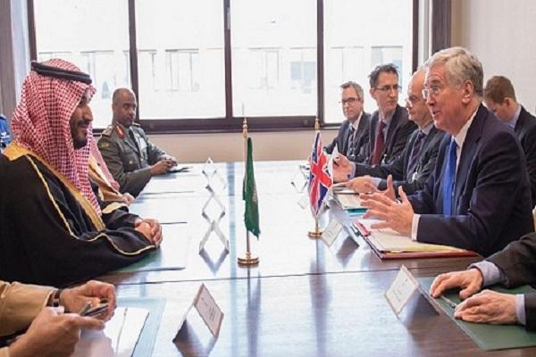 محمد بن سلمان خلال لقائه وزراء دفاع بريطانيا وإيطاليا وأمريكا وألمانيا في برو