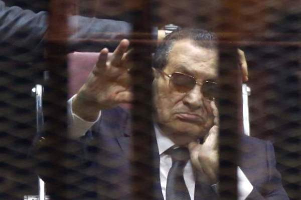 مبارك في إحدى جلسات محاكمته