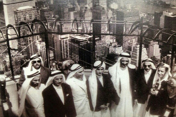 الشيخ محمد بن راشد مع والده الشيخ راشد في نيويورك