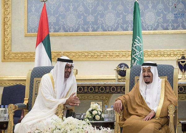 محمد بن زايد يصل إلى الرياض
