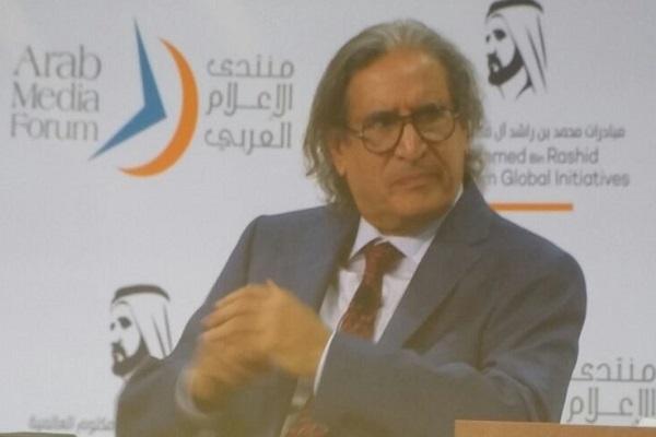 عثمان العمير أثناء مشاركته في منتدى الإعلام العربي