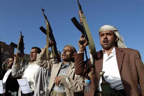 عناصر من المتمردين الحوثيين في اليمن