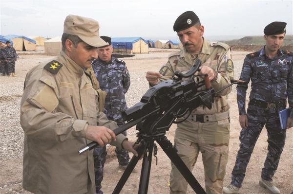 تدريبات عسكرية في معسكر تحرير الموصل