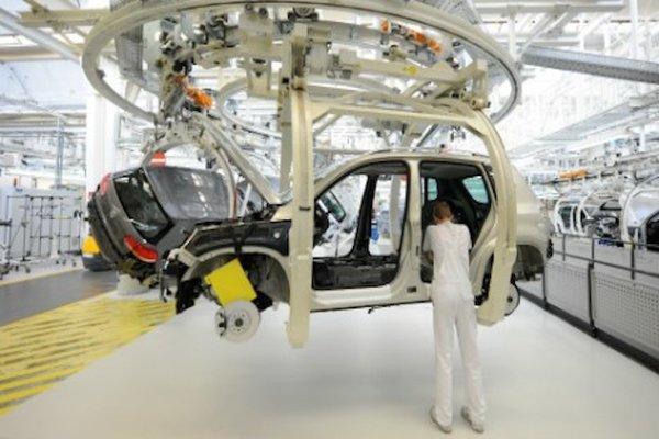 مصنع سيارات فولسفاغن