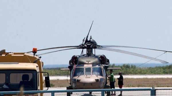 الهليوكبتر التي اقلت العسكريين الثمانية