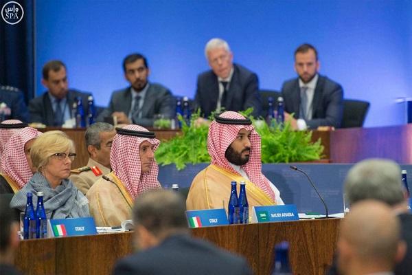 الأمير محمد بن سلمان خلال الاجتماع الوزاري لوزراء دفاع وخارجية التحالف الدولي