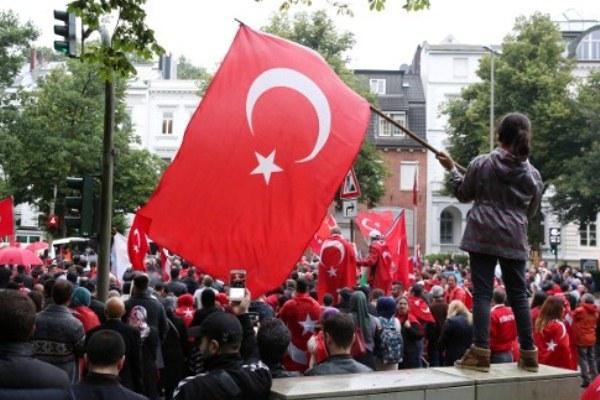 أتراك في ألمانيا في تجمع ضد محاولة الإنقلاب