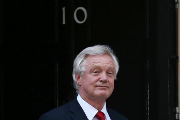 الوزير البريطاني المكلف عملية بريكست ديفيد ديفيس