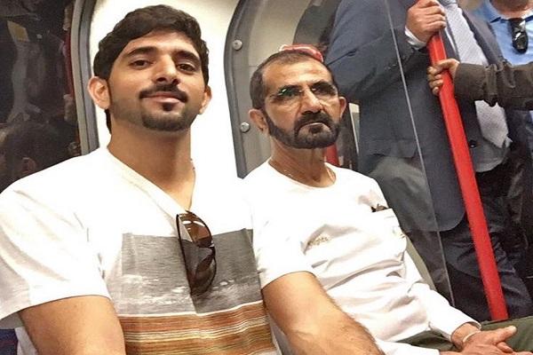 الشيخ محمد بن راشد ونجله داخل قطار لندن