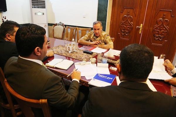 وزير الدفاع العراقي يدلي امام محققي هيئة النزاهة بأقواله في قضية فساد نواب