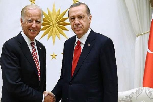 إردوغان مصافحاً بايدن
