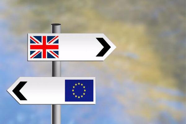 يتوقع المراقبون أن يُسمح لمهاجري الاتحاد الأوروبي في المملكة المتحدة بالبقاء