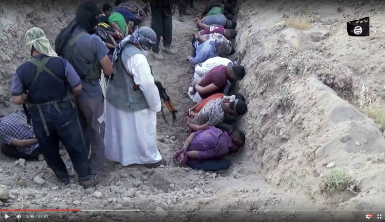 داعش لدى اعدامه جنودا عراقيين