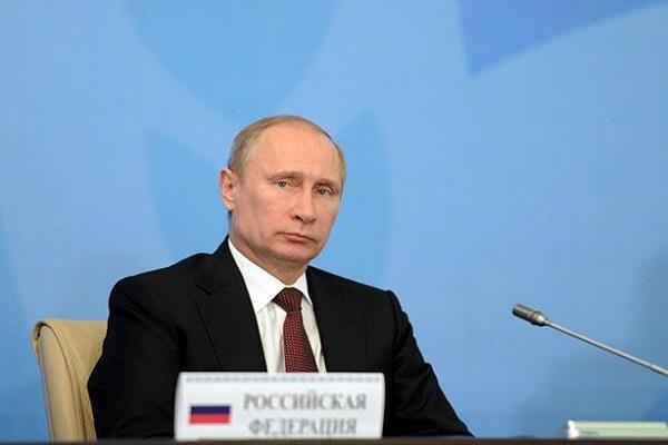 صديق بوتين الشخصي يرجح كفة ترامب