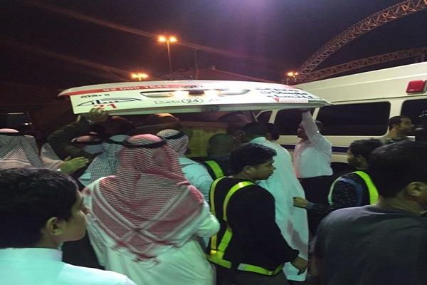 أهالي ضحايا اسطنبول خلال استقبال جثامين ذويهم بمطار الملك عبد العزيز