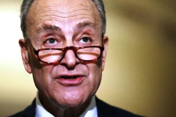 تحذير شديد اللهجة الى زعيم الديمقراطيين بالكونغرس
