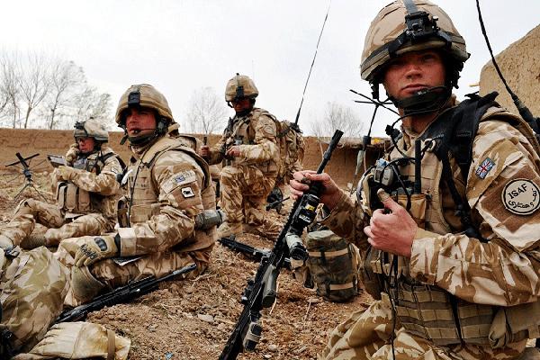 جنود بريطانيون في الميدان في افغانستان (أرشيف)