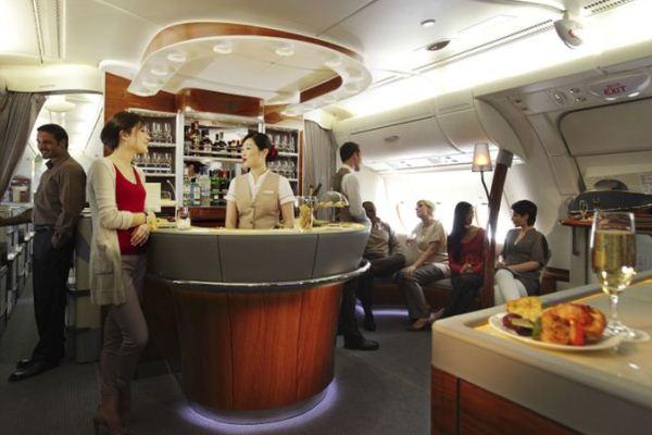 الخدمة التي تقدمها طيران الإمارات بأفخر انواع النبيذ هي استثمار