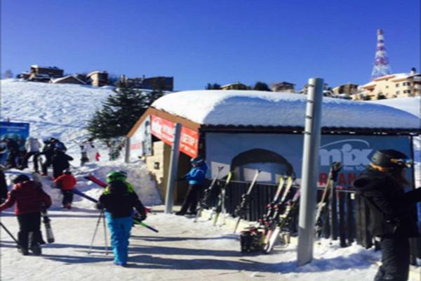 جبال لبنان تعجّ بمحبي هواية التزلج