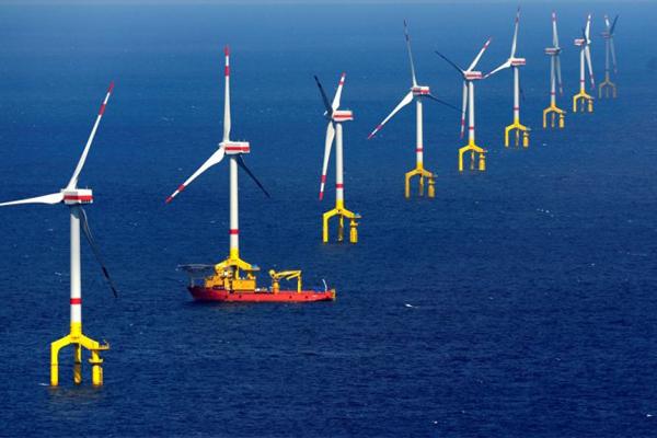 الطاقة المتجددة تهزم الوقود الأحفوري في 2018