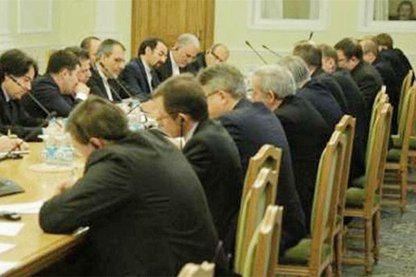 جانب من الاجتماع الثلاثي في موسكو السبت