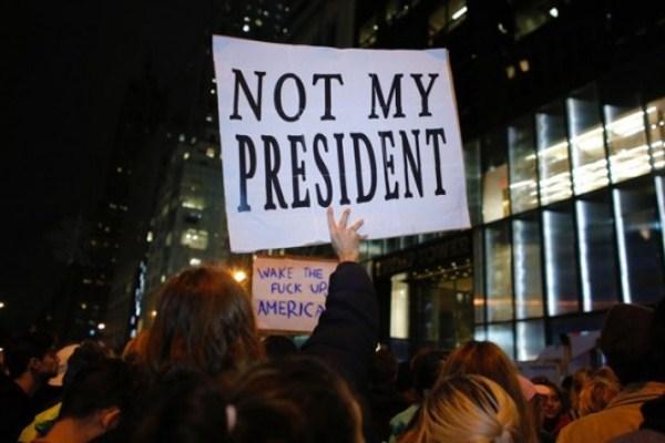 تظاهر في نيويورك بعد إعلان فوز ترامب بالانتخابات الرئاسية