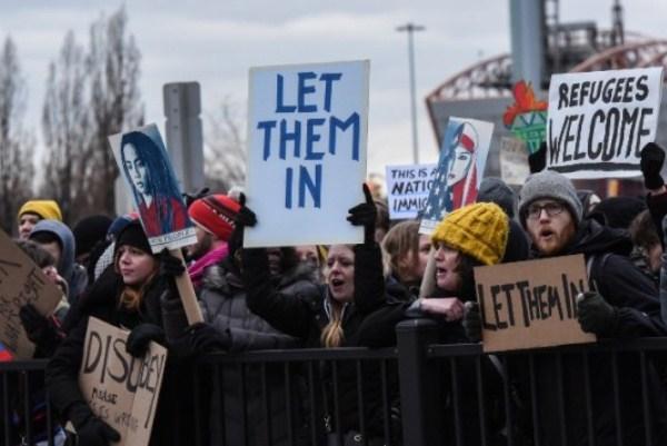 تظاهرة في مطار جون أف كينيدي