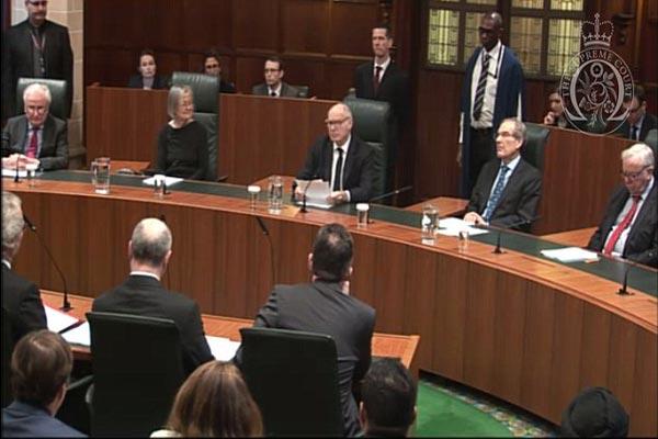 قضاة المحكمة العليا البريطانية في جلسة الثلاثاء
