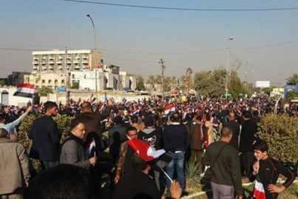 متظاهرون وسط بغداد يطالبون بمفوضية وقانون انتخابات جديدين