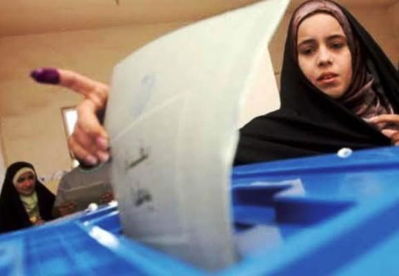 عراقية تدلي بصوتها في الانتخابات البرلمانية