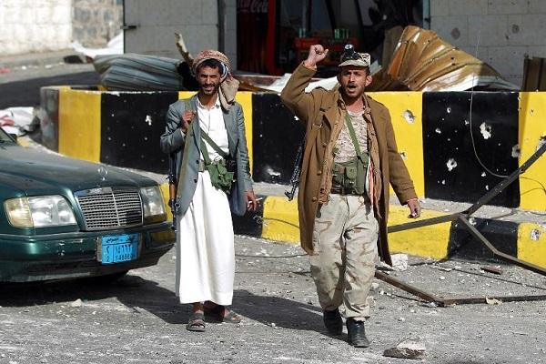 مقاتلان حوثيان