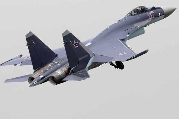 الامارات تشتري طائرات سوخوي سو 35