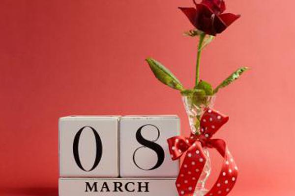 8مارس يوم المرأة العالمي