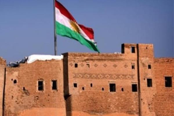 رفع علم كردستان فوق قلعة كركوك