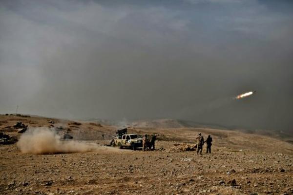 صواريخ باتجاه مواقع داعش في الموصل