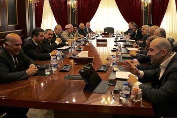 قيادتا حزبي بارزاني وطالباني خلال اجتماعهما اليوم