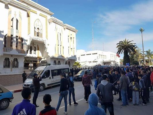النائب العام يرفض السماح بزيارة محامين لمعتقلي حراك الحسيمة