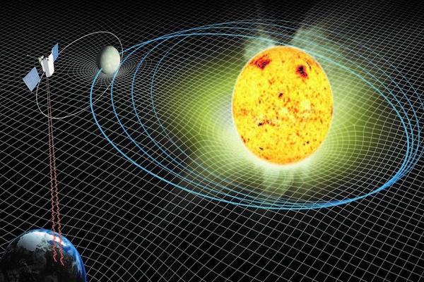 آينشتاين على حق: الشمس تفقد كتلتها وقوة جاذبيتها