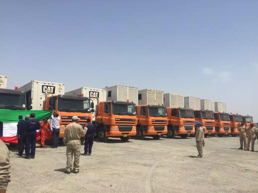 شاحنات كويتية تحمل مولدات كهرباء الى العراق