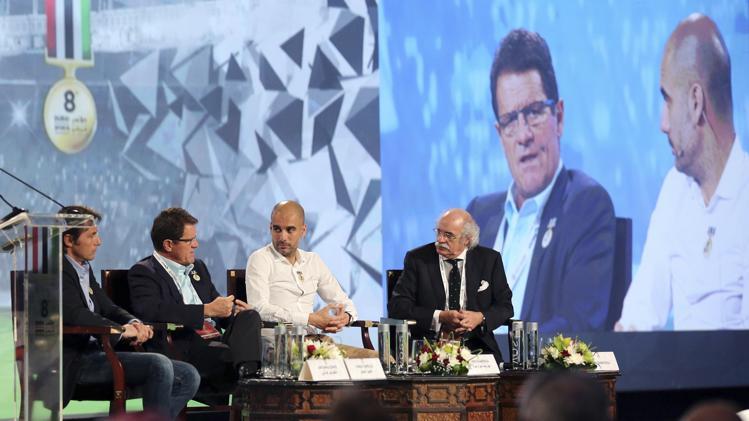 كابيلو بجانب غوارديولا في مؤتمر دبي العالمي