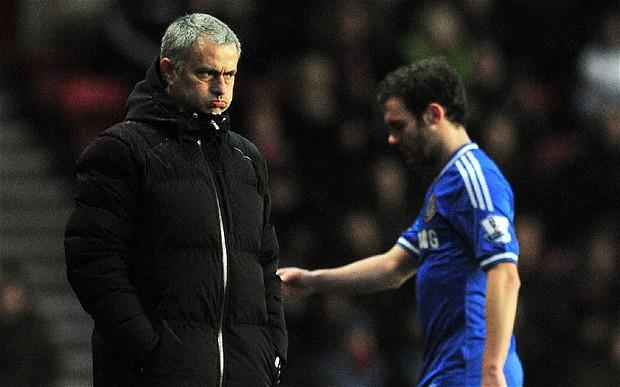 ماتا غاضباً بعد خروجه مورينيو منزعج!