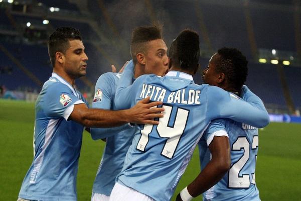 لاتسيو يحتفظ بفرصة الإستمرار في الدفاع عن لقب كأس إيطاليا