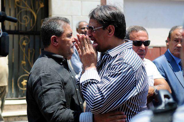 طاهر أبو زيد مع مصطفى يونس المعين بقرار من الأول قبل وقف تنفيذ حل مجلس إدارة الأهلي