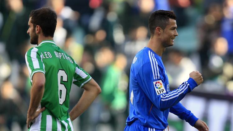 كريستيانو رونالدو افتتح الخماسية لريال مدريد في ريال بيتيس
