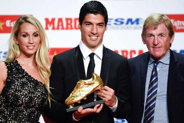 لويس سواريز متوجاً بجائزة الحذاء الذهبي
