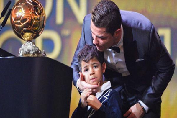 كريستيانو رونالدو عينه على الكرة الذهبية للمرة الثالثة في تاريخه
